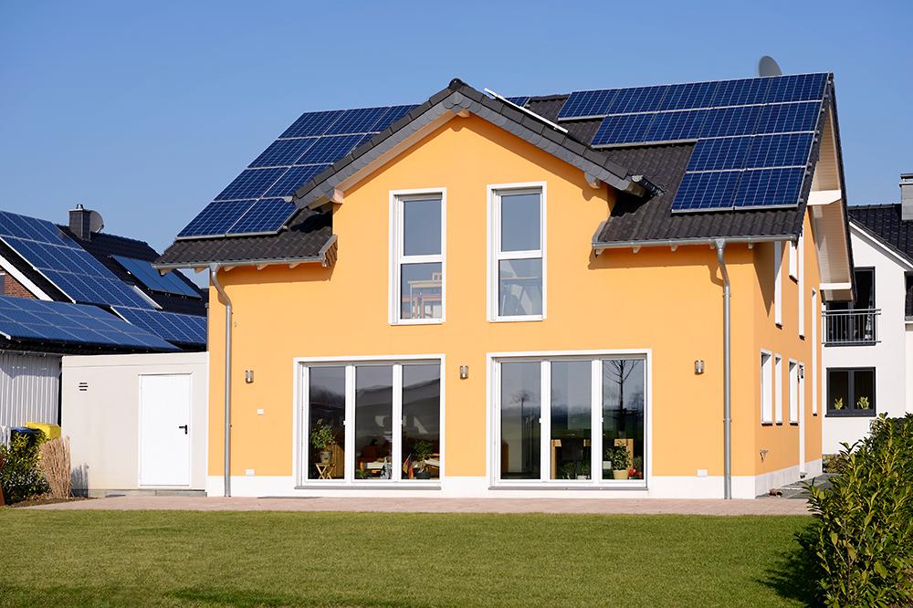 Immobilienfoto Haus mit Solardach