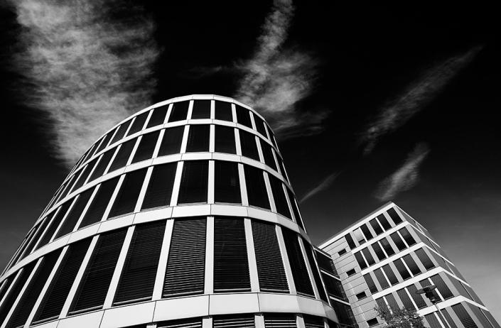 Architektur schwarz weiss abstrakt