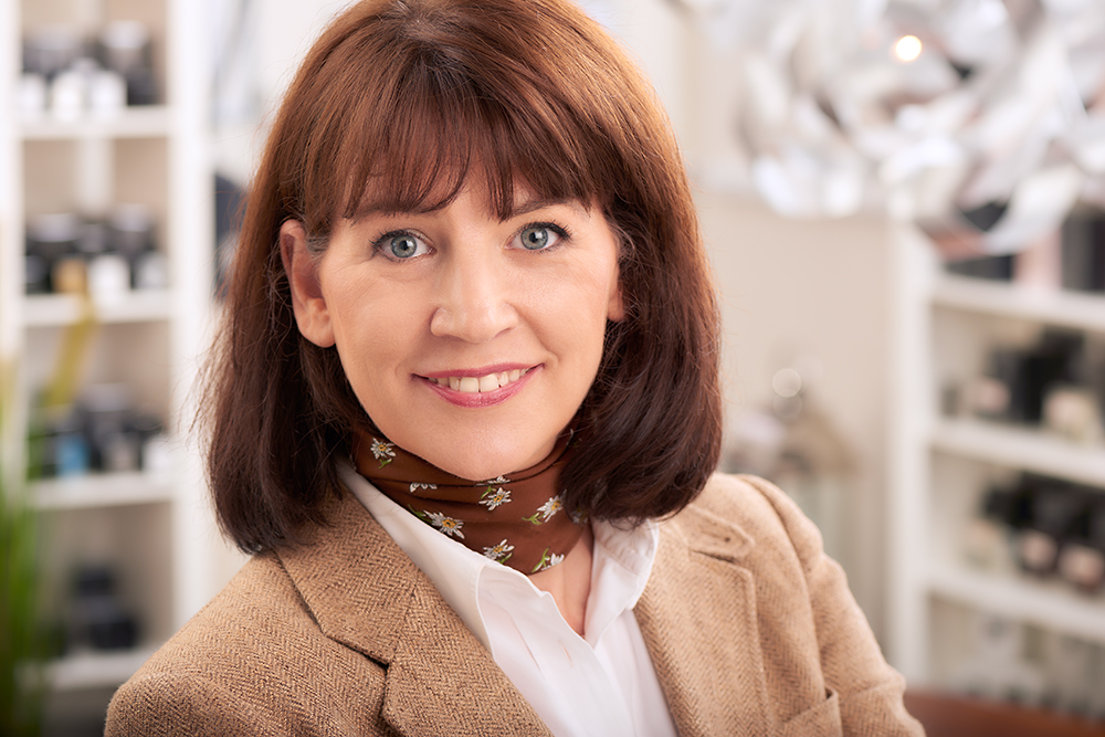 Business-Portrait / Chefin eines Kosmetiksalons, Fotograf Guntmar Fritz Neuss Krefeld