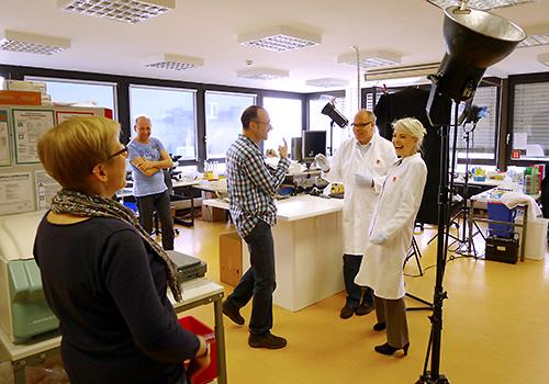 Setfoto Guntmar Fritz , lockere Athmosphaere waehrend des LIS Foto Shootings